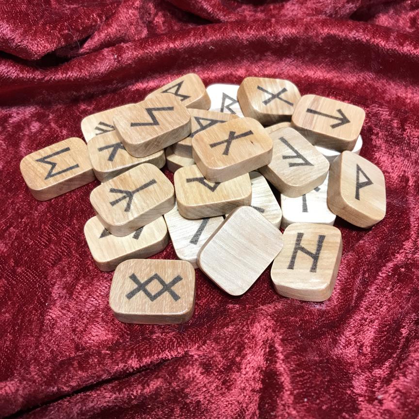 Birch rune set